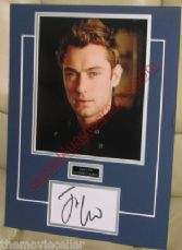JUDE LAW SIGNED  MATTED  CARD/PAGE